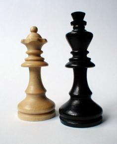 1773-closeup-of-chess-king-and-queen-pv